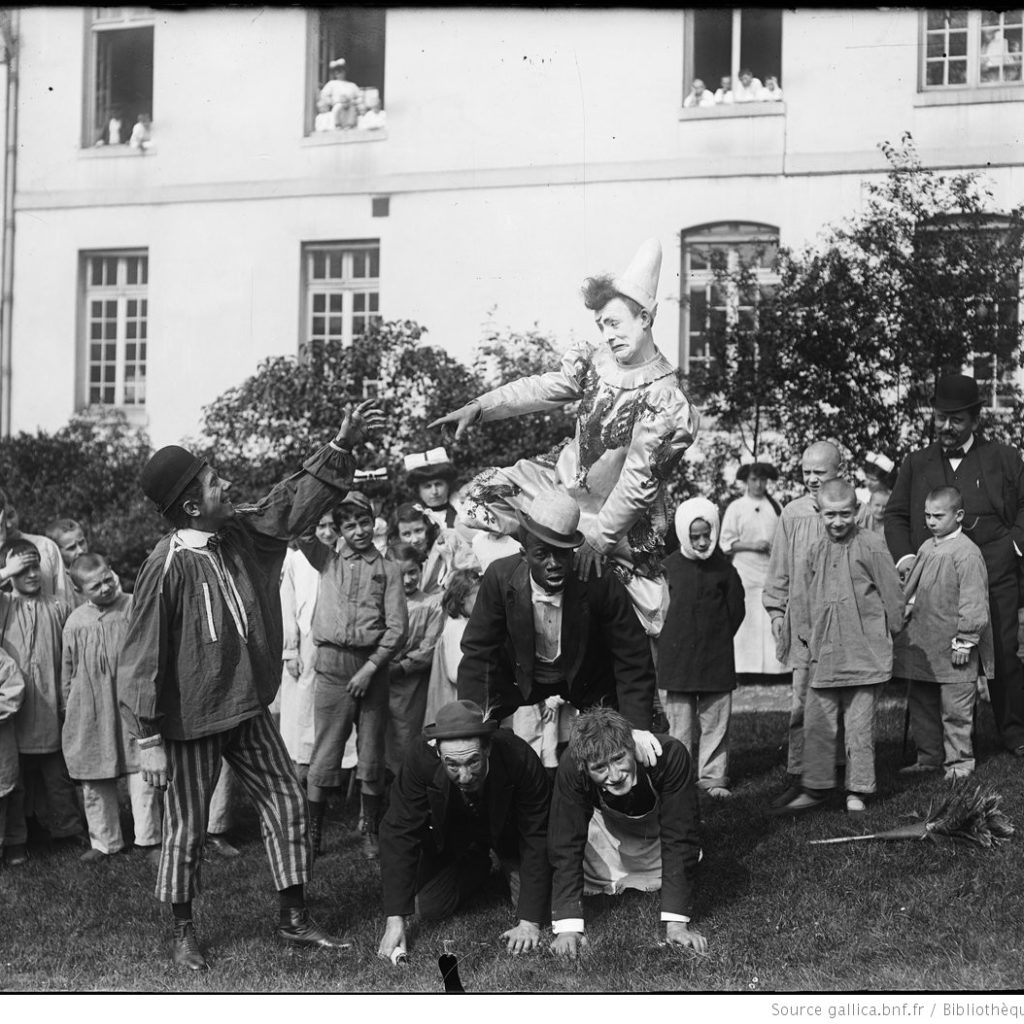 Enfants Malades Spectacle Des Clowns Agence Rol