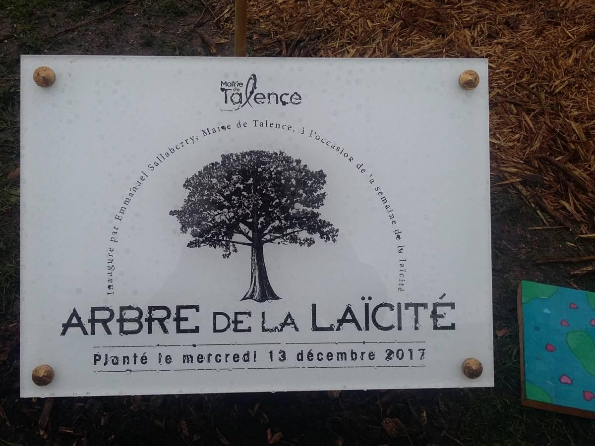 Arbre De La Laïcité Dôme De Talence